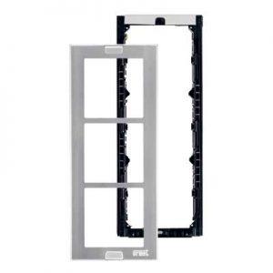 Urmet 1148-63 - Telaio porta moduli con cornice per 3 moduli